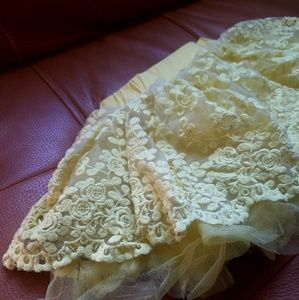 Yellow Embroidered Tulle Skirt - Girls Sz 4 Years